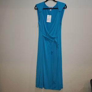 🆕 Nine & Co. Wrap dress